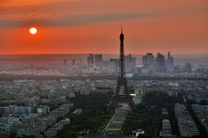 paris-843229__480.jpg